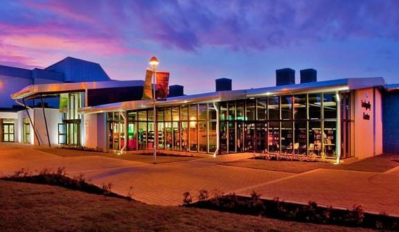 Lochgelly Centre theatre, cinema, cafe, meeting rooms, library